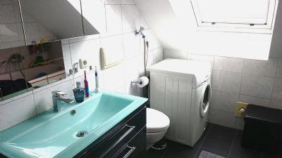 Wunderschöne 3 Zimmer Dachgeschoss Wohnung in Neukeferloh