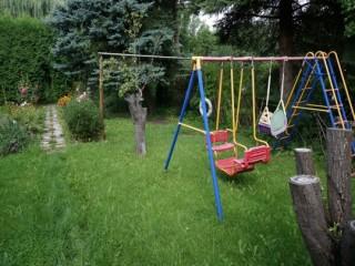 idyllisches Grundstück mit Kinderspielplatz