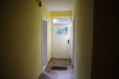Flur, Blick auf hintere Tür