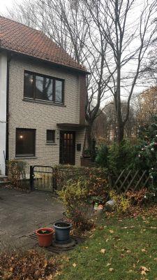 Endlich zu Hause. Reihenendhaus mit Grundstück in Bremen Blumenthal .