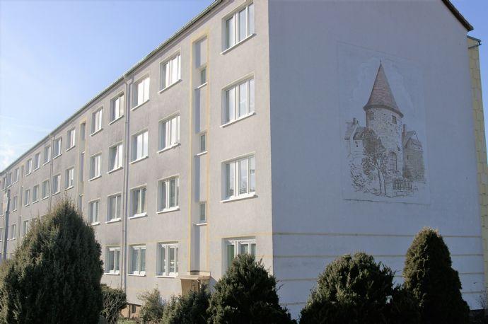 3-Raum-Wohnung mit verglastem Balkon im Grünen von Kahla