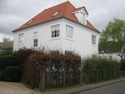 Helle 4-Zimmer-Wohnung eines Zwei-Familien-Hauses zum 01.09.2020 in Bremen-Blumenthal frei