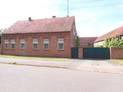 Das Wohnhaus des Anwesens