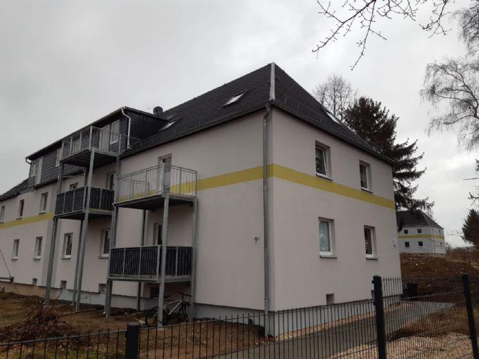 Neu sanierte 3- Raumwohnung im Dachgeschoss mit Balkon, Erstbezug