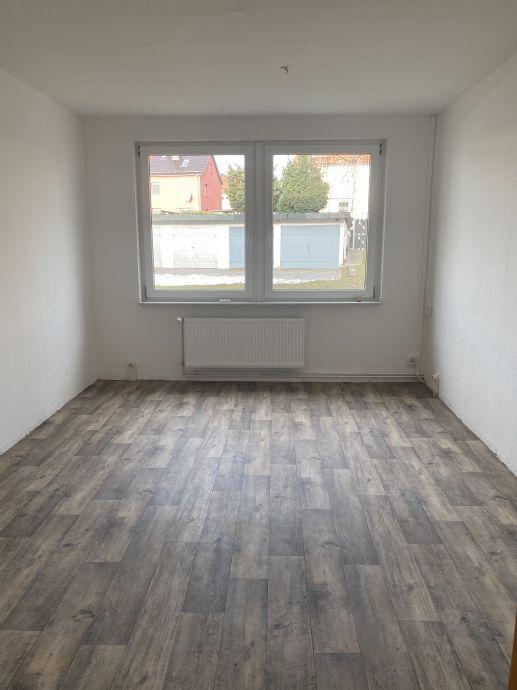 zentral gelegene sanierte 2-R-Whg., 47 m², Hochparterre, ab sofort