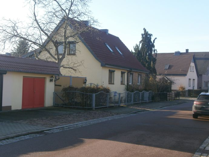 Doppelhaushälfte in guter Wohnlage in Dessau-Waldersee !