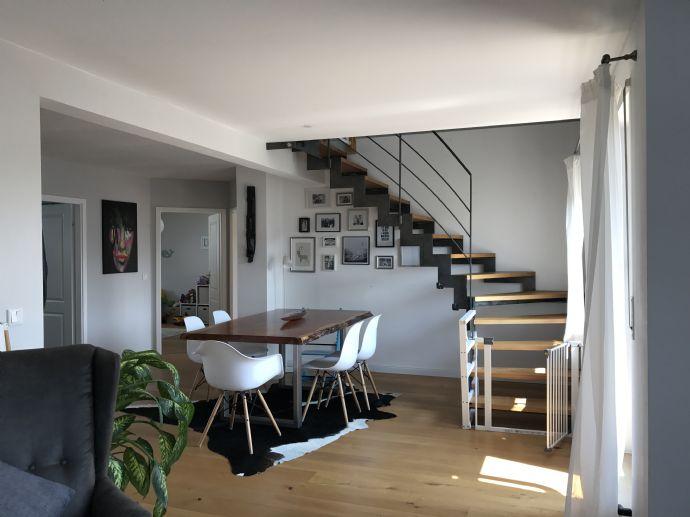140m²/3,5 -Zimmer-Maisonettewohnung mit Einbauküche und Tiefgaragenstellplatz in Lohhof, Herzogenaurach