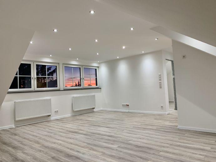 2,5 Zimmer-Dachgeschoss Wohnung sucht neuen Mieter
