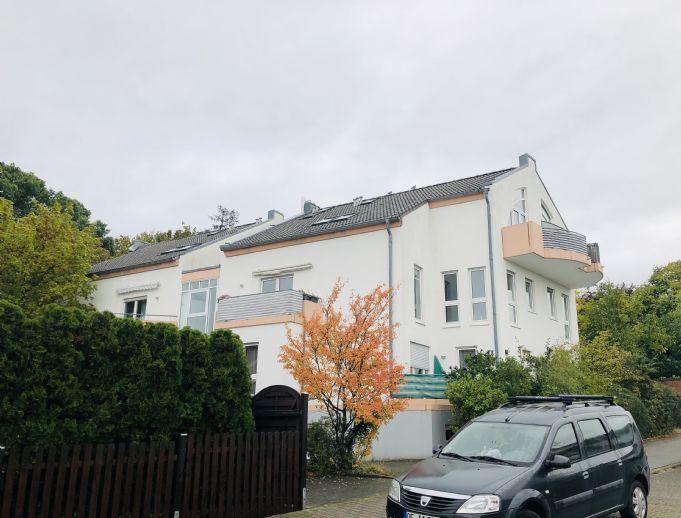 Helle, gepflegte 2-Zimmer-Maisonette-Wohnung mit 2 Balkonen in Langen (Hessen)