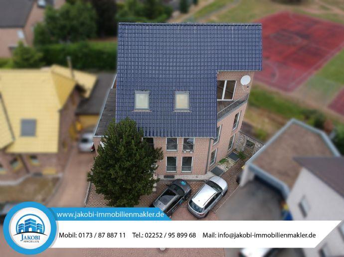 Sehr gepflegtes und großzügiges Ein-/Zweifamilienhaus in bester Lage von Jülich (mit Youtube-Video)