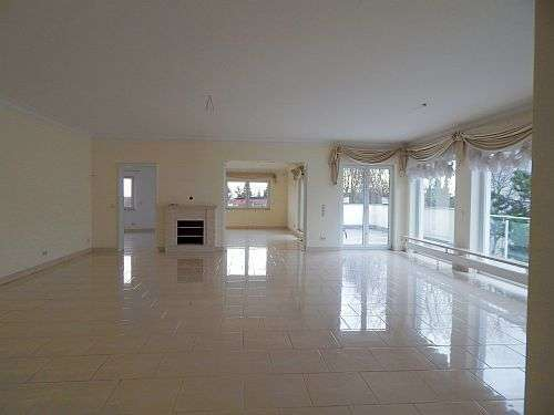 Luxury Penthouse with garage near Clay Casern