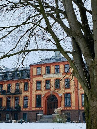 Traumwohnung in Volksdorf! Aussergewöhnliche 3-Zimmer-Wohnung in idyllischer Lage, ca. 147 m² im