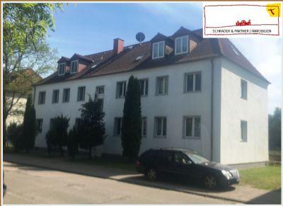 Familienfreundlich, sonnig + ruhig: frisch renovierte 4-Zi.-Wohnung, Laminat und großer Balkon