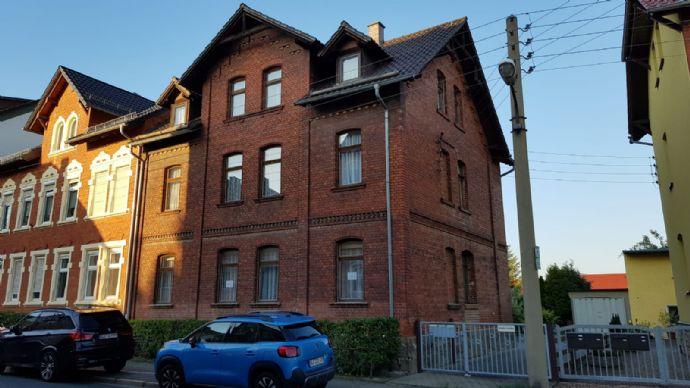Leerstehende Doppelhaushälfte - 3 Familien wartet auf neuen Besitzer - Neugierig?