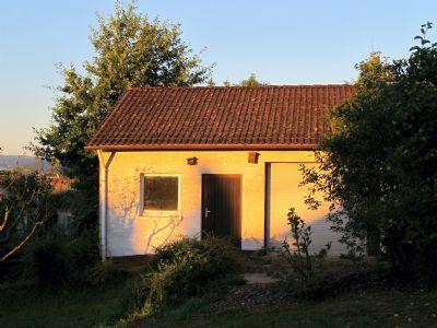 familienparadies teilrenoviertes einfamilienhaus mit gro er terrasse und gro em grundst ck. Black Bedroom Furniture Sets. Home Design Ideas