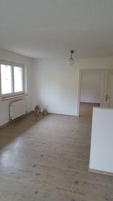 Wohnzimmer OG mit Blick ins Schlafzimmer