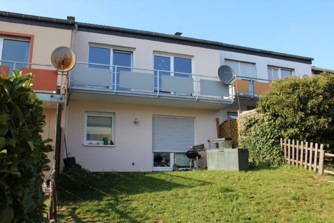 Wohnen mit Lebensqualität mit Terrasse und Garten in Herforst