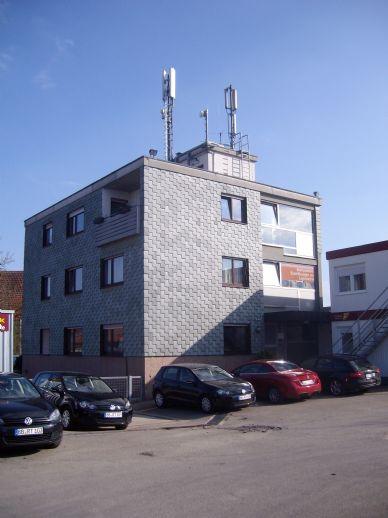 Große 4 Zimmer OG-Wohnung in Wohn- u. Geschäftshaus, auch geeigent als Wohnbüro, Entfernung 3 km