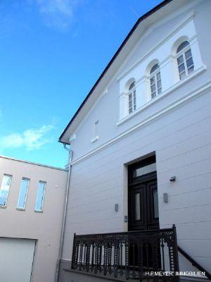 Haustür mit repräsentativen Fassade