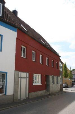 sch n renoviertes stadthaus in zentrum von mainburg knapp 300qm wohnfl che einfamilienhaus. Black Bedroom Furniture Sets. Home Design Ideas