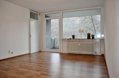 2-Zimmer-Wohnung mit Balkon und Stellplatz als Kapitalanlage mit einem Kaufpreisfaktor von ca. 11 Jahren