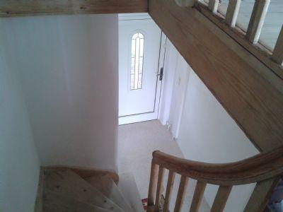 Treppenhaus mit Holzdielen