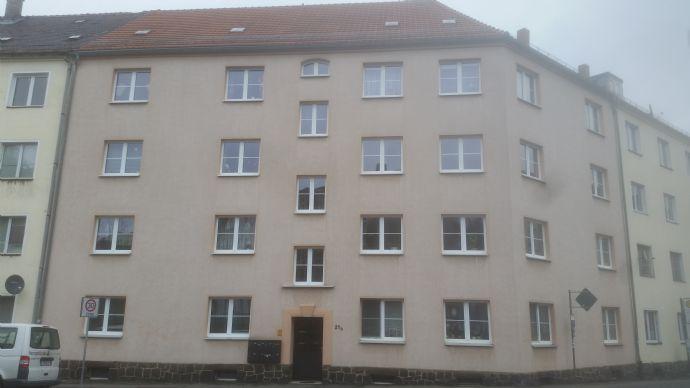Freundliche 4 - Raum - Wohnung mit Balkon