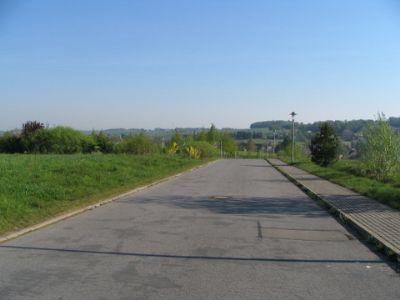 Erschließungsstraße im Gewerbegebiet