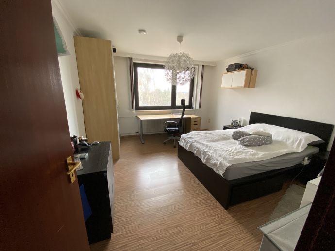 Geräumige 2-Zimmer-Wohnung mit EBK und Balkon in Hannover