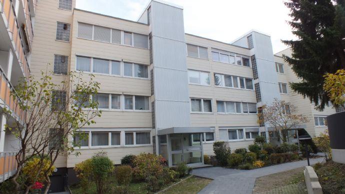 Helle, geräumige 3 Zimmer Eigentumswohnung Nähe Godesburg...