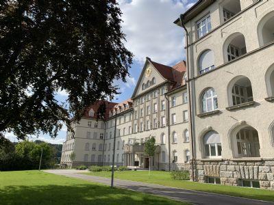Wohnvergnügen der besonderen Art - historisches Klinikgebäude neu definiert!!