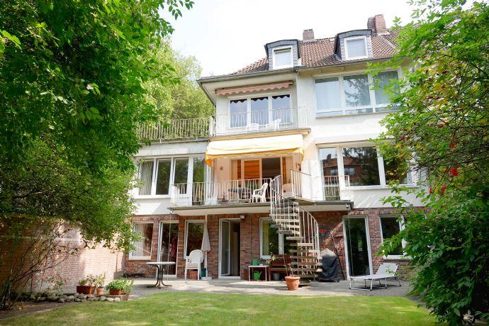 Schicke 6-Zimmerwohnung in einer Stadtvilla mit großem Garten - superzentrale Wohnlage an der Leine