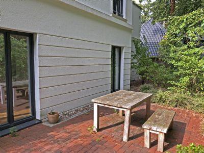 stilvolle eigentumswohnung mit garten etagenwohnung hamburg 2lap54y. Black Bedroom Furniture Sets. Home Design Ideas