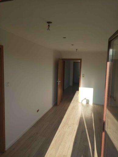 Helle drei Zimmer Dachgeschoß Wohnung in Stelle