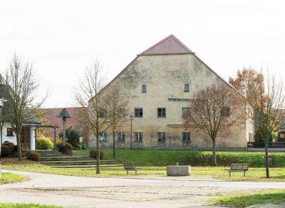 Charmanter Vorzeigebau in reizender Dorfkernlage