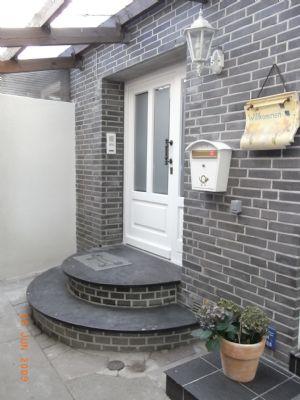 3-Zimmer-Wohnung renoviert mit Einbauküche.          Ab Mitte Oktober zu besichtigen.