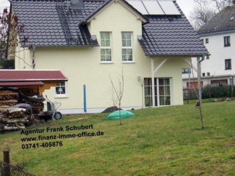 Klassisches Einfamilienhaus - Modern mit Zwerchgiebel