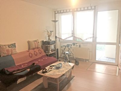 betreut aber selbst ndig leben 2 zimmer wohnung mit terrasse im eg etagenwohnung sindelfingen. Black Bedroom Furniture Sets. Home Design Ideas