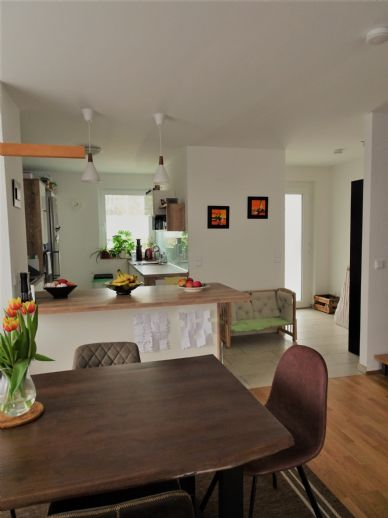 4-ZW-Maisonette mit hochwertiger EBK, 2 Bäder, Terrasse und Garten