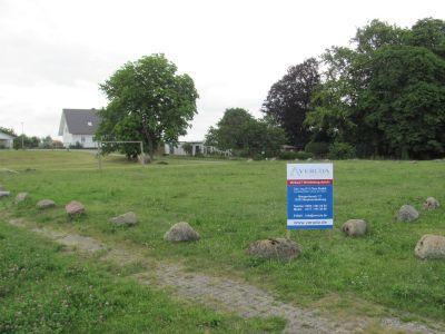 Voll erschlossenes Grundstück in der Feldberger Seenlandschaft!