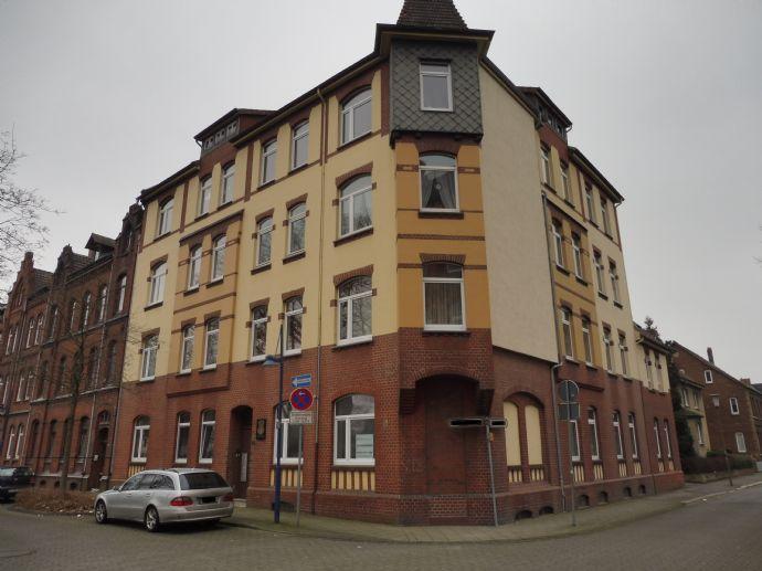 3 Zimmer- Altbauwohnung in Bahnhofsnähe