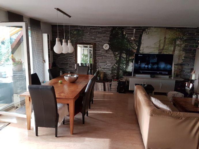 5251*Moderne und ansprechende ETW *3ZKB*Balkon*Tiefgarage*Fernblick*Ruhige Wohnlage in Saarbrücken-OT