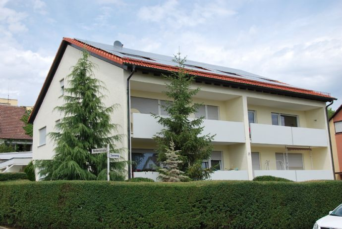 Helle Zweizimmer-Dachgeschosswohnung Würzburg-Höchberg