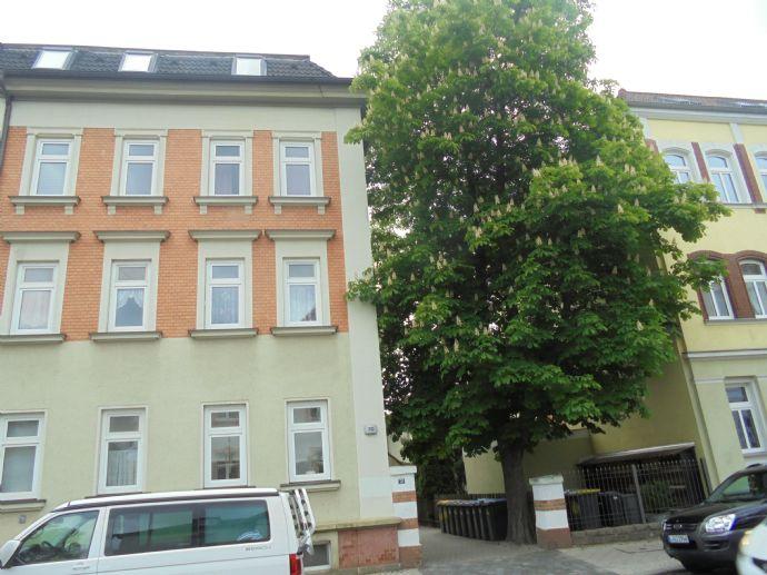 helle 2 Zimmerwohnung 2015 saniert, mit hw.Laminat,Gartenmitnutzung in grüner Lage von Markkleeberg-West
