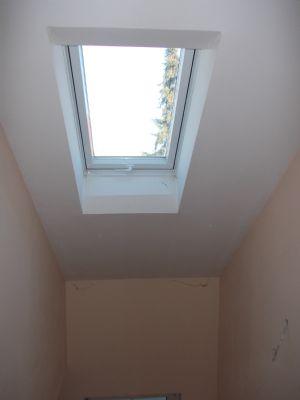 Helles Treppenhaus durch Dachflächenfenster