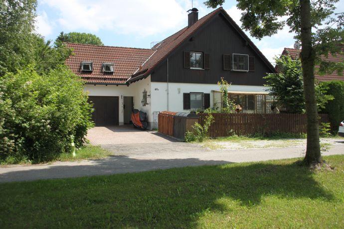 Hochwertig ausgestattetes Einfamilienhaus in Ziegelbauweise- Landhaus mit Garage - *Provisionsfrei*