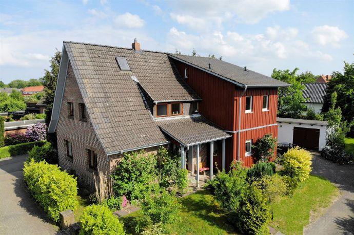2007 bis 2010 erweitert und kernsaniert! Mit Einbauküche, Kaminofen und einem tollen Bad.