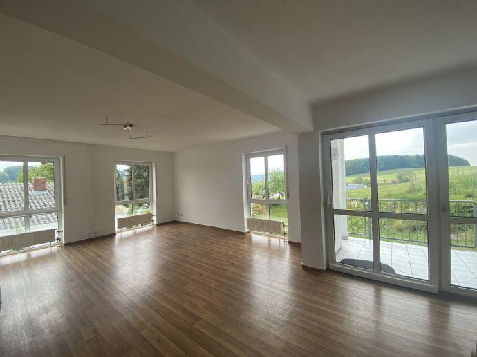 Wohnen oder Arbeiten im Lautertal (Odenwald) // Traumhafte 4-Zimmer-Wohnung mit EBK und 2 Balkonen