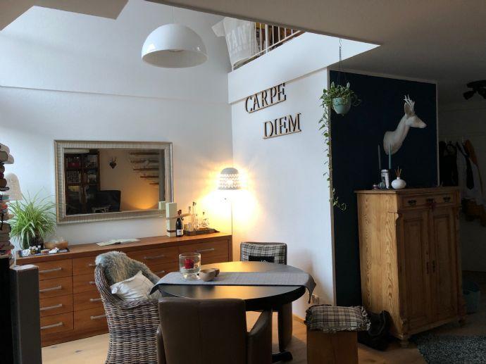 Traumhafte Dachgeschoss 2,5-Raum-Wohnung mit Galerie & Dachbalkon ab 01.03.2019 verfügbar