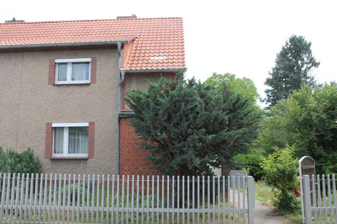 Doppelhaushälfte mit Keller in Mahlsdorf - zusätzliche Bebauung durch Grundstücksteilung gesichert
